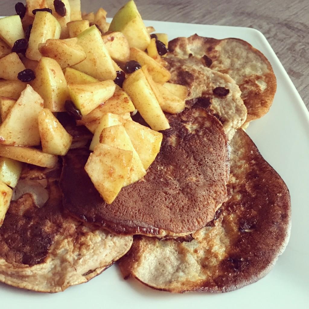 Banana Pancakes met warme appeltjes!